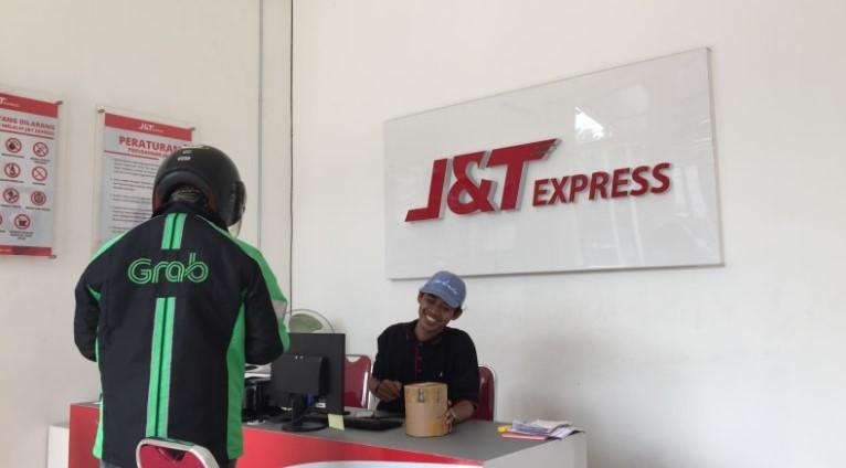 Kantor J&T Express by Kumparan