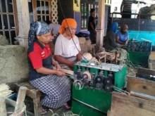 Pengerajin Tusuk Sate di Malang