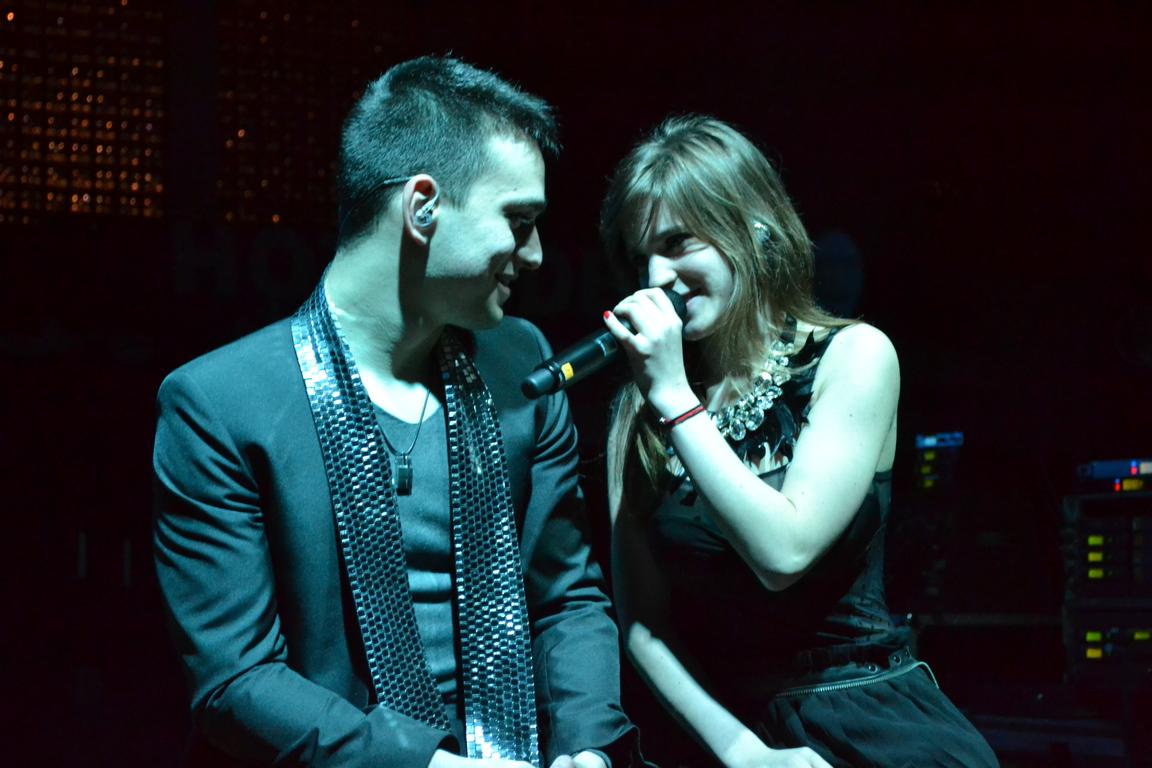 Ana Baniciu si-a serbat ziua de nastere pe scena, la concertul LaLa Band din Tulcea