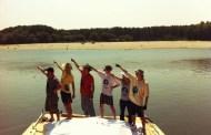 450 de km pe Dunăre în două săptămâni, pe o plută din 1.500 de PET-uri