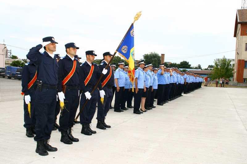 Inspectoratul de Jandarmi Judetean Constanta avanseaza in grad 2 ofiteri şi 74 de subofiteri