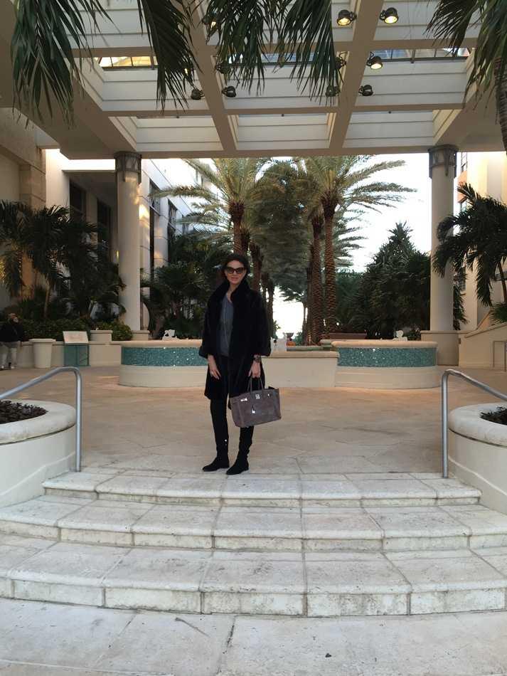 Ramona Bădescu în haină de blană la Miami
