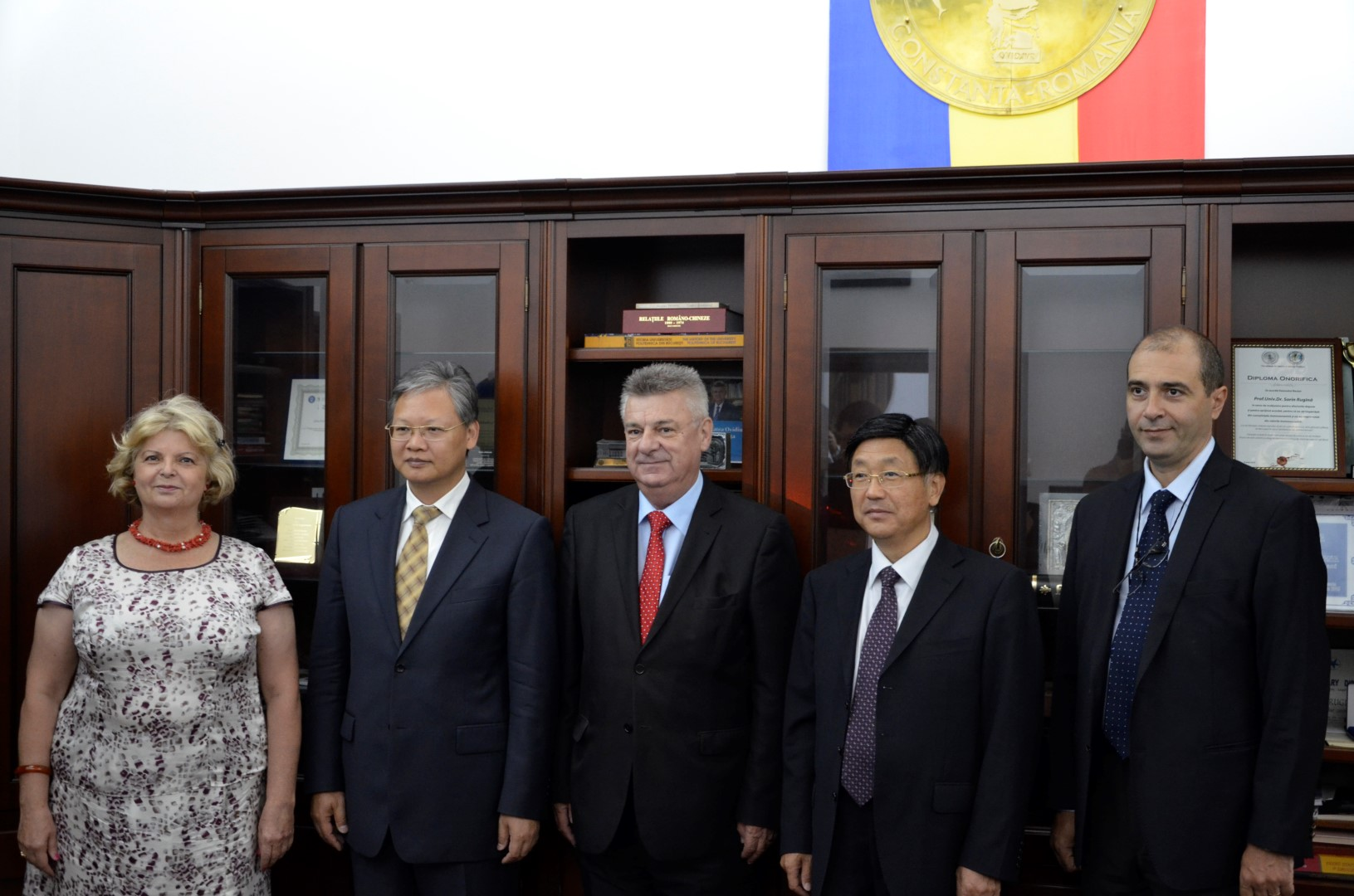 """Ambasador Extraordinar și Plenipotențiar al Republicii Populare Chineze în vizită la Universitatea """"Ovidius"""" din Constanța"""