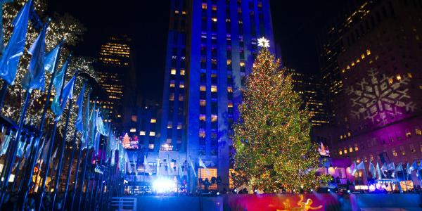 New York: S-au aprins luminile in bradul din Rockefeller Center