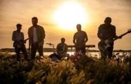 "Les Elephants Bizarres lanseaza videoclipul piesei ""Vocile Marii"""