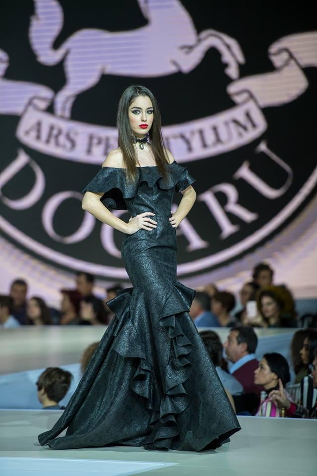 O elevă a devenit Miss românia 2017!