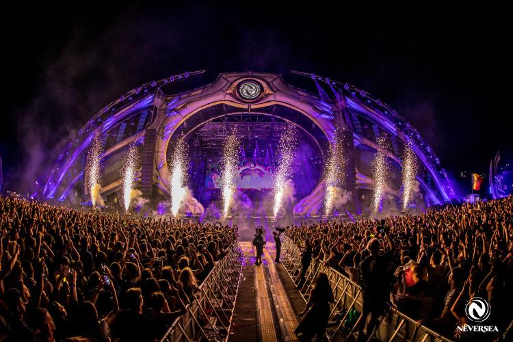 NEVERSEA. STEVE AOKI a urcat din nou pe scenă alături de QUINTINO, în ultima zi a festivalului