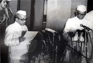 Morarji Desai Sworn in as First Non Congress PM by BD Jatti