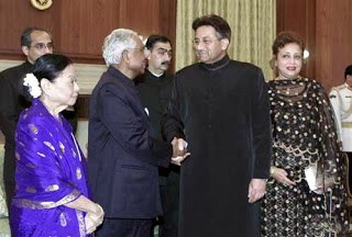 K R Narayanan with Pakistan President General Pervez Musharraf