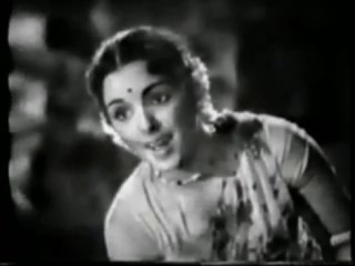Seyyum Thozhile Deivam Song Still in Aalukkoru Veedu