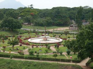 Aliyar Dam Park