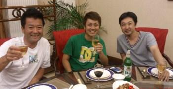Yuichi Kanai brindando con Atsushi Hara ¿veremos al ex de HPI con Kyosho?