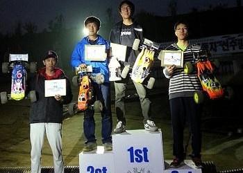 Dani Choi y su Alpha Ryan Lutz, ganadores del Nacional de Truggy en Corea