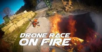 Video - Drones de carreras volando entre llamaradas de fuego. Espectacular