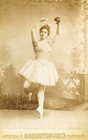 raymonda-pierina-legnani-as-raymonda-1898