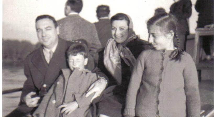 familia en Campana, río Paraná - copia