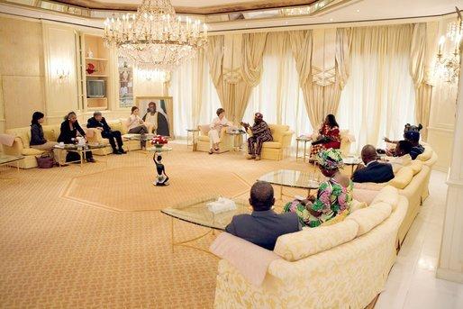 Olusegun_Obasanjo_with_Laura_Bush_January_18,_2006