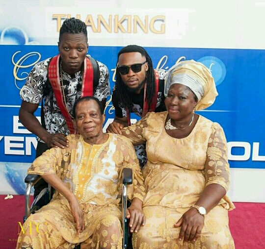 20160419_162847_EZRepost-1 Flavour Shares Photos Of His Parents And Daughter At His Father's Birthday