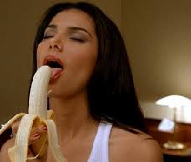 Here Are  Reasons Men Love Going Down On Women I E Giving Their Women Some Mouth Actions Orals