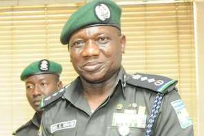 7 Things Nigerians Are Saying Concerning police withdrawing Men from Vips