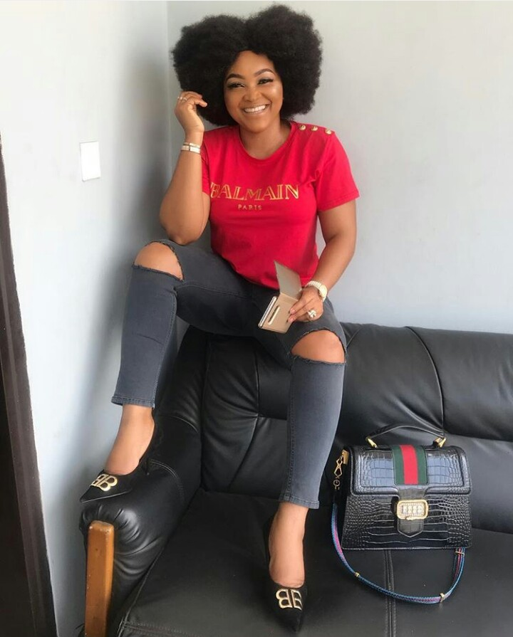"mercy aigbe embraces her ambode side - Nollywood Actress, Mercy Aigbe, Rants About ""Career"" Politicians."
