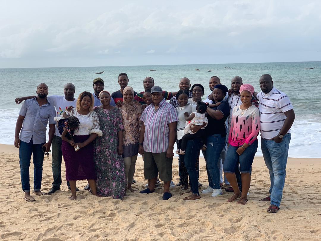 5c9f8efa78130 - [Photos]: Veteran actor Adebayo Salami and family enjoy some family time at the beach