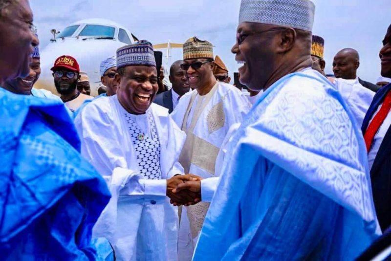 Aminu Tambuwal in handshake with Atiku Abubakar 1 800x534 - Sokoto Election Result: INEC Adjourns Collation After Tambuwal Takes Early Lead