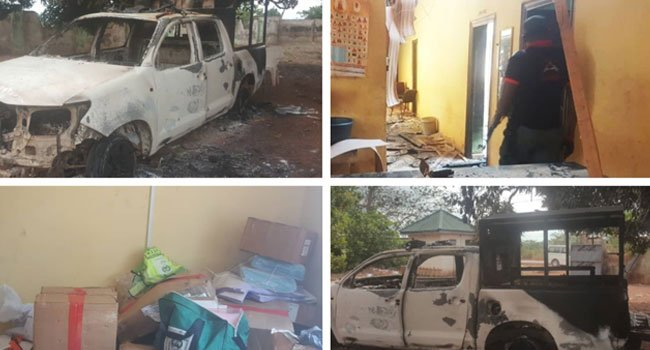 D1iw7U7XgAAJO1  - [Pictures] Gunmen attack Police Command in Edo