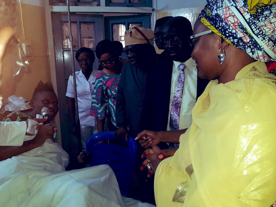 D1yDfhDWoAEJ4TG - #LagosBuildingCollapse: Aisha Buhari visits victims in Lagos [See Pictures]