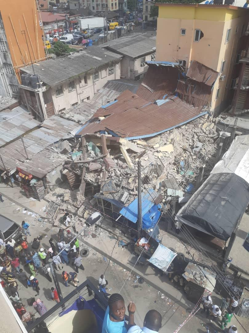 D2g78nOW0AAsfhz - [Photos News] Tragic Pictures of Kakawa Street building collapse in Lagos