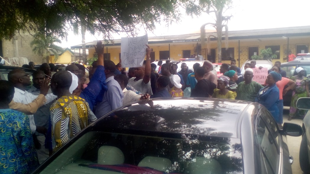 "IMG 20190304 124451 - Protest In Ikosi-Isheri Local Government- ""No Light, No Vote""!"