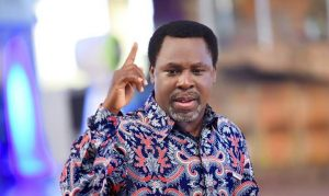 More Drama: Fani Kayode Shares The Video Of A Lady Who Accused Prophet T.B. Joshua of raping her, taking away her virginity and keeping her in his Church against her will for 14 years.