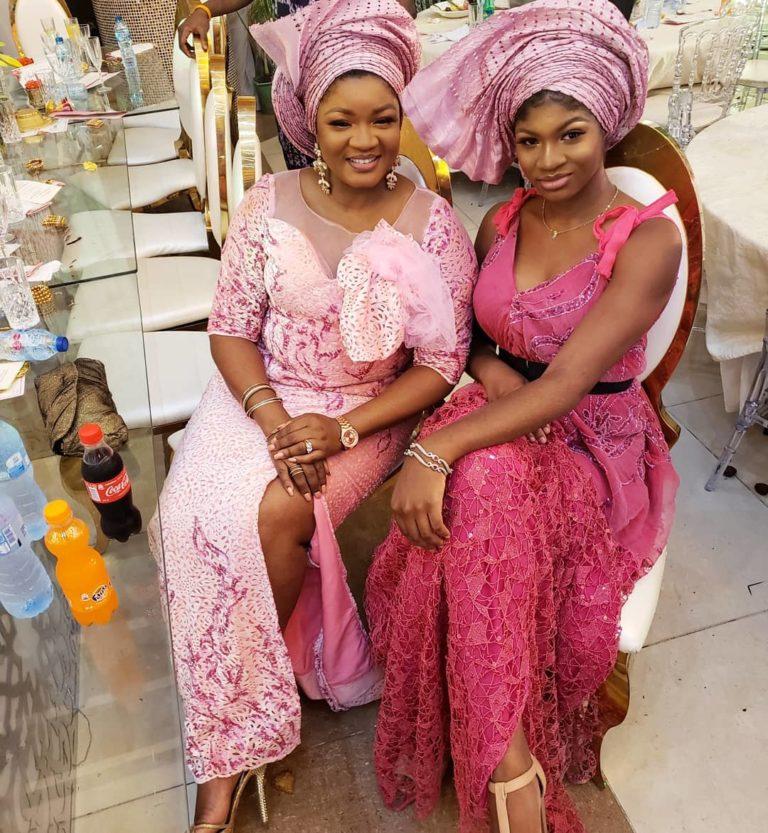 Temidayo Ted Abudu Adebola Makanjuola Traditional Engagement AsoebiBella BellaNaija 42 768x833 - [Beautiful Photos]: Asoebi Guests At Media Mogul, Mo Abudu's Daughter's Wedding