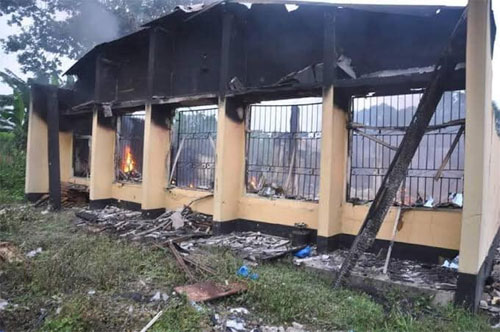inec office - [Pictures] Gunmen attack Police Command in Edo