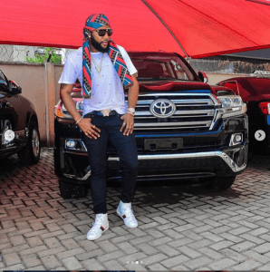 k 6 - [Photos]: Balling! Kcee shows off his new car on social media