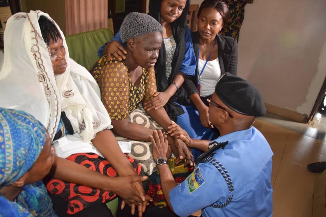 5ca34ea771e20 - [Photos]: Lagos state police commissioner pays condolence visit to Kolade Johnson's family