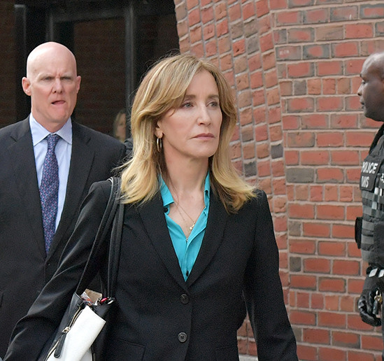 5cac8216a74f3 - Hollywood actress Felicity Huffman pleads guilty to college cheating scam