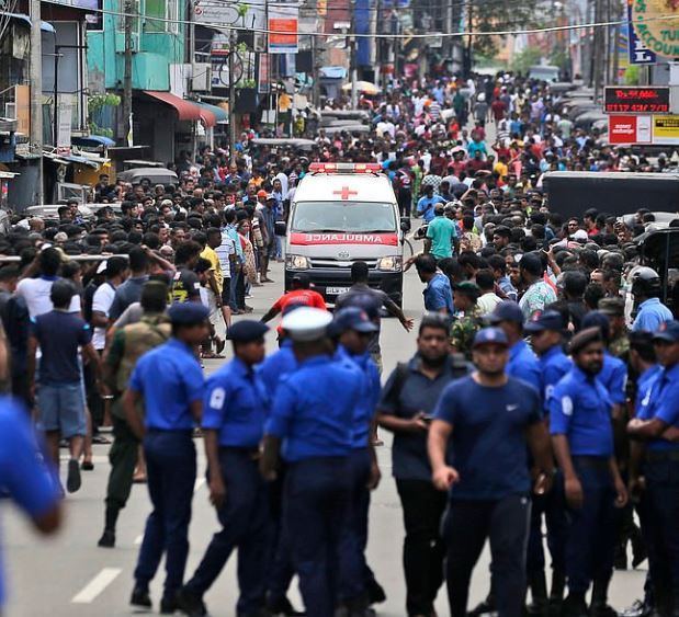 5cbc2cf0b9740 - Over 150 dead as bomb goes off in churches and hotels in Sri Lanka