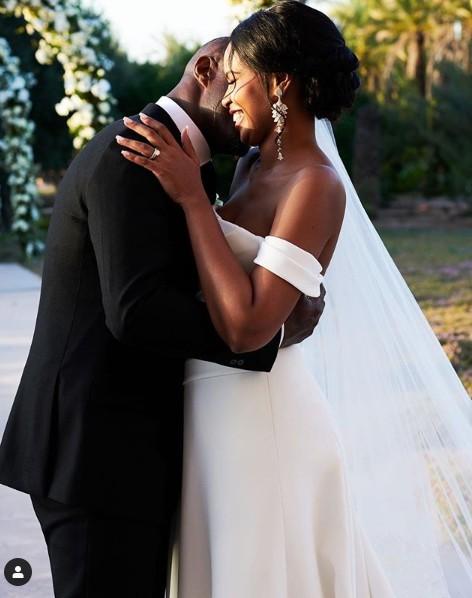 9269078 idriselbagotmarriedinasecretceremonyunclesuru3 jpegdff0c6752571dda16848ef3dd56abcb1 - [Video] Davido pulls very electrifying performance at Idris Elba's wedding