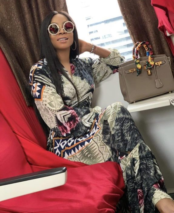 A9F3EC02 B183 4DBA B6CD 7DE511E7F717 - [Photos]: Toke Makinwa takes her first train in Lagos