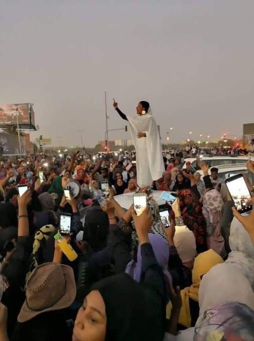 22 year old lady forced sudan president to resign