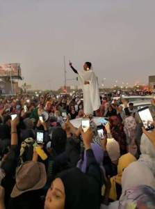alla - Reactions As This 22-Year-Old Lady, Alaa Salah, Liberated Sudan From Dictator, Omar Al-Bashir
