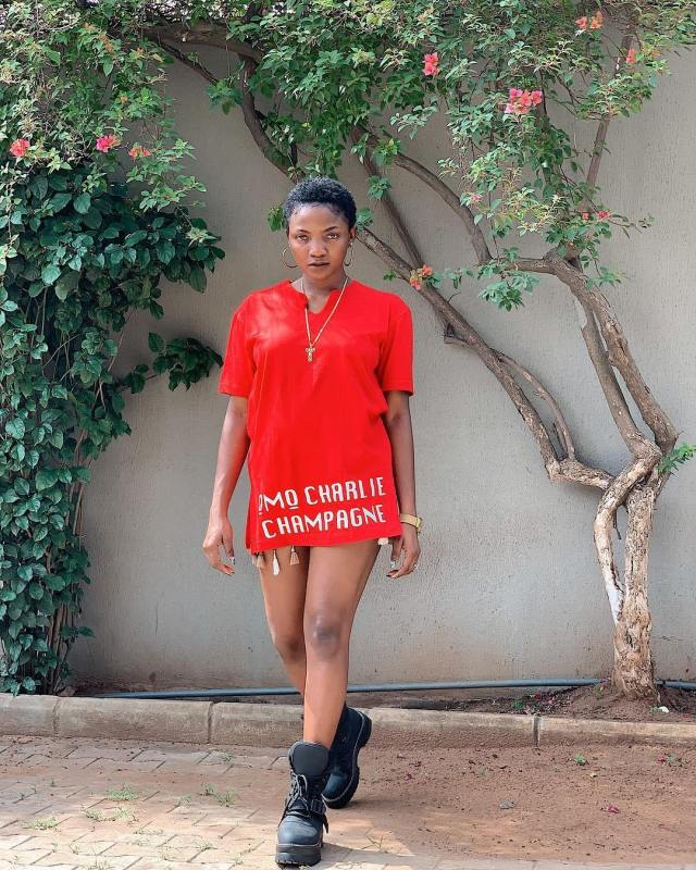 simi - [Photos]: Simi debuts new look and the internet is loving it