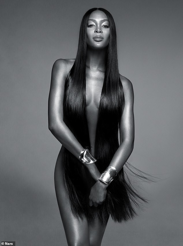 5ccb13faf3ee2 - [Photo]: Naomi Campbell poses completely naked in new campaign