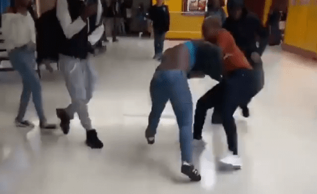 , Boobs Everywhere As Two Ladies Fight Dirty In A Mall (Video), All 9ja