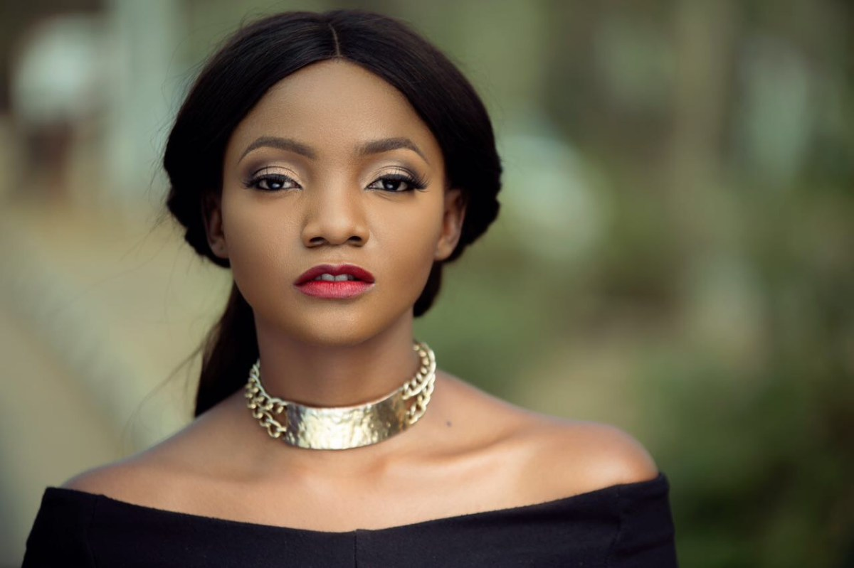 Video: Pregnant Simi Shuts Down Sierra Leone