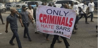 The viral photo of people protesting for SARS