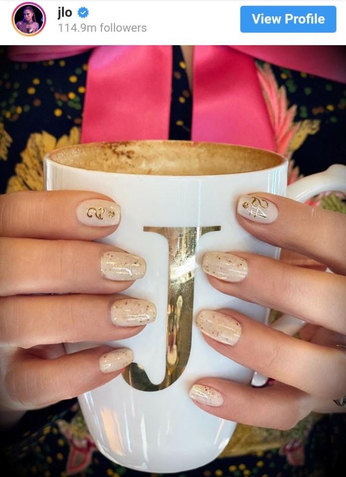 1 6 - Beyonce, Jennifer Lopez, Honour Kobe Bryant With Nail Art (Photo)