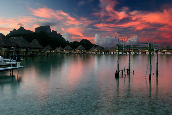 Travel: Experience Breathtaking Aquatic Splendor on the Island of Tahiti
