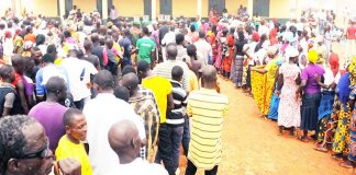 Voters on queue